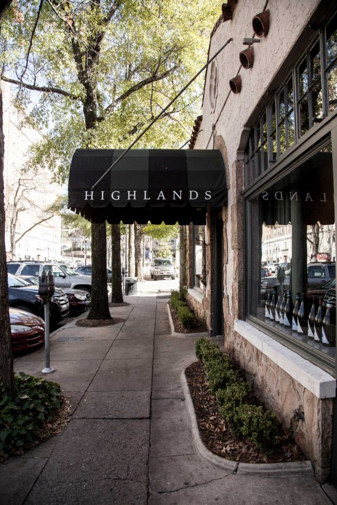 exterior_highlands_2